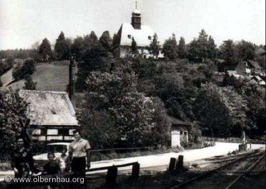 Blick zur Oberneuschönberger Kirche um 1975